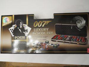 Cartamundi James Bond 007 Casino Royale Ultimate Luxury Poker Set