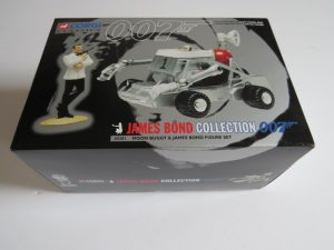 Corgi Classics 007 James Bond  Moon Buggy and hand painted James Bond figure set