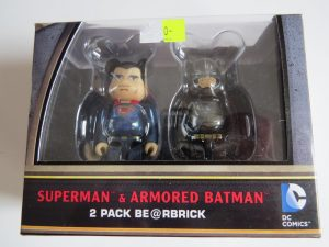 BE@R BRICK Superman and Armoured Batman Set